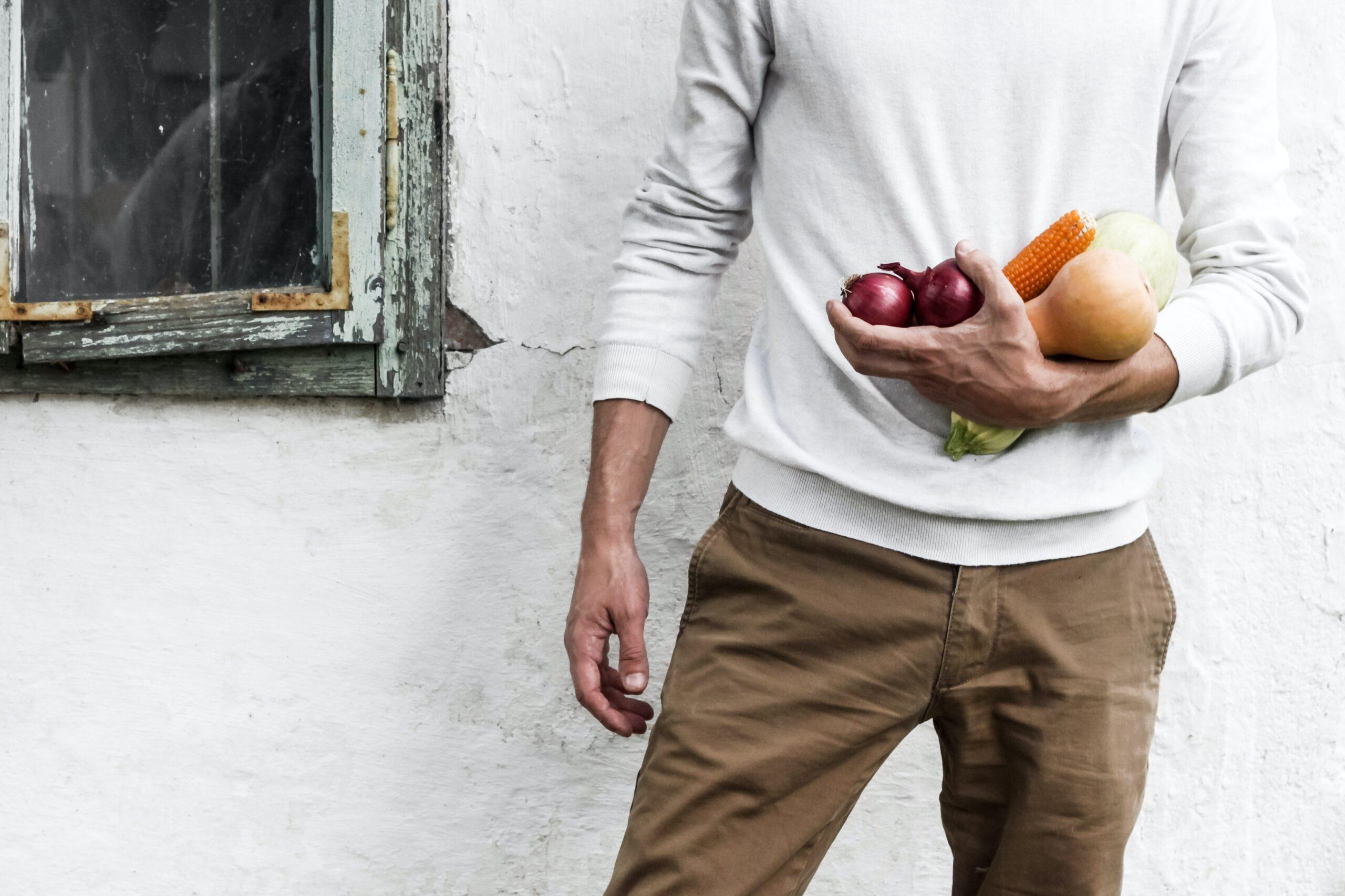 男性必見!糖質制限のメリットやデメリット、実践する場合の注意点などを解説