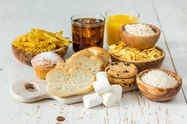 筋トレの効果を最大化する鍵は「炭水化物」?!摂るタイミング・摂取量の目安を解説