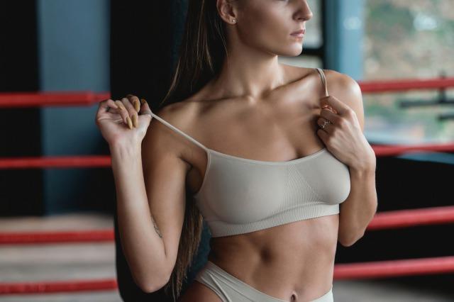 【女性向け】男性と違う?美しい筋肉をつけるトレーニングと食事のポイント