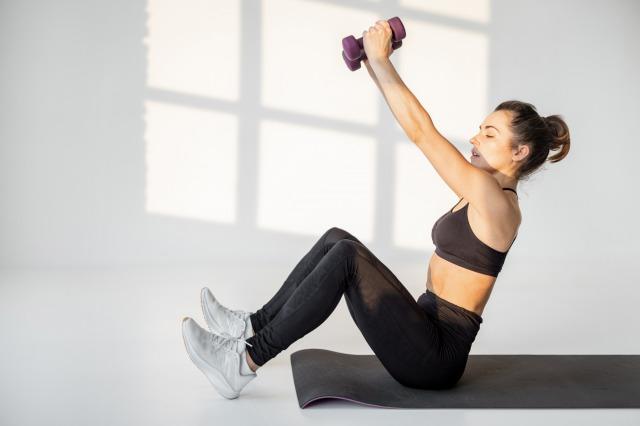 筋トレはダイエットになる?及ぼす影響は?おすすめのトレーニングとご紹介